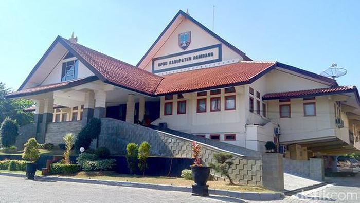 Kantor DPRD Rembang lockdown gegara Corona, Senin (28/6/2021).