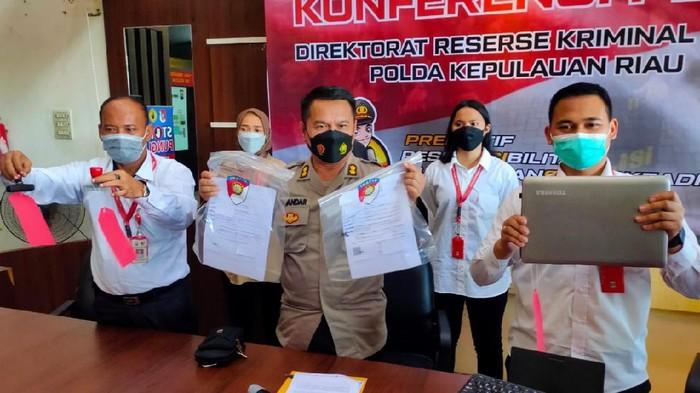 Palsukan Surat Tes Antigen untuk Lamar Kerja, Wanita di Batam Ditangkap (Foto: Istimewa)