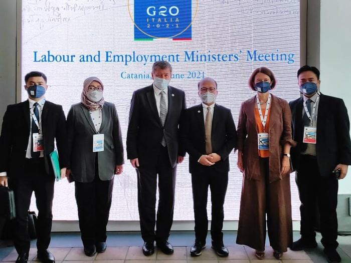 Jakarta – Pemerintah Indonesia mendapatkan dukungan pelaksanaan G20 Employment Working Group (EWG) tahun 2022. Dukungan tersebut datang dari Pemerintah Inggris yang mendorong Indonesia mengangkat isu penciptaan lapangan kerja yang berkelanjutan.