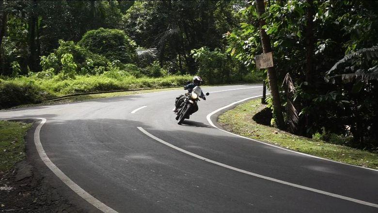 Ada sebagian orang yang gemar wisata touring jarak jauh menggunakan motor. Di saat pandemi virus Corona seperti ini, kalau mau touring jarak jauh seperti Jakarta-Bali, berikut tipsnya.
