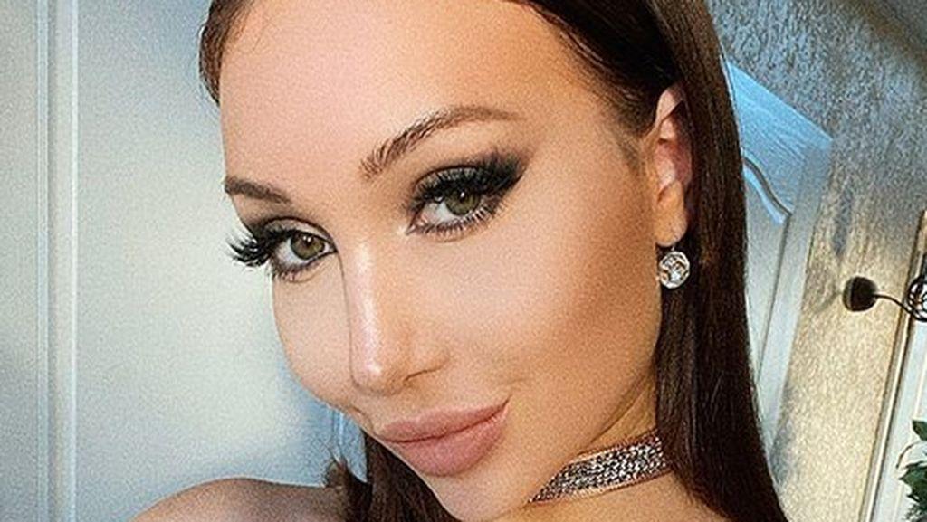 Foto: Pesona Model yang Mengaku Ketakutan Karena Punya Wajah Cantik