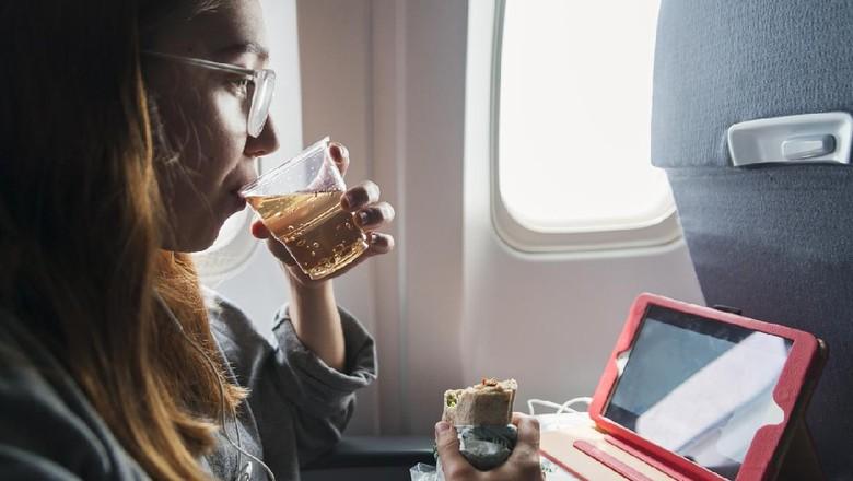 Ginger ale atau jahe karbonasi di kabin pesawat
