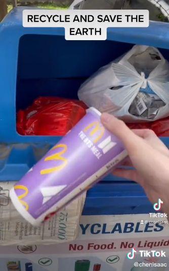 Kemasan BTS Meal Minta Dibuang ke Tempat Sampah