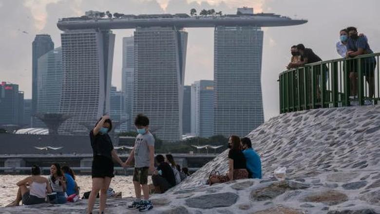 Melihat Singapura yang mencoba berdamai dengan COVID-19