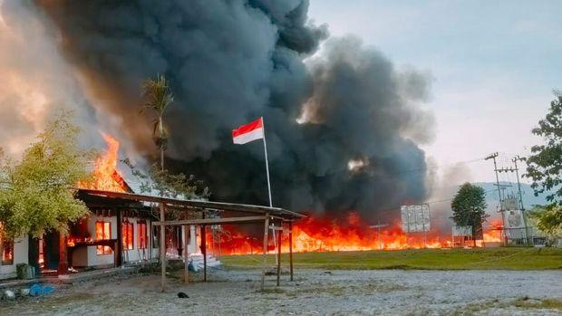 Pembakaran sejumlah gedung pemerintahan oleh massa di Yalimo Papua