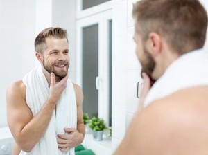 Pria Wajib Tahu, 3 Manfaat Pijat Wajah Setelah Cukur Jenggot dan Kumis