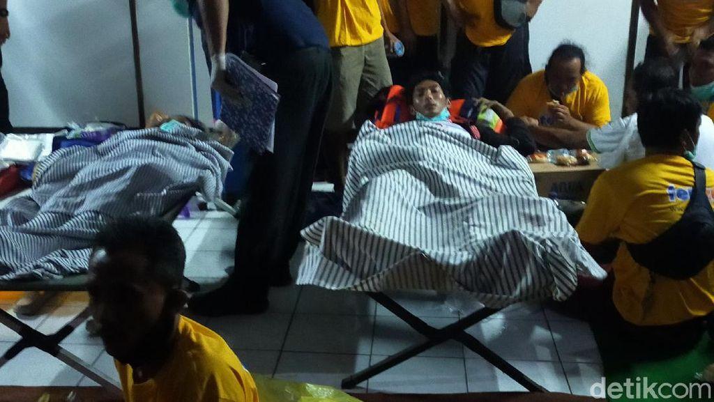 7 Korban KMP Yunicee Dibawa Ke RSUD Blambangan, Patah Tulang-Sesak Nafas