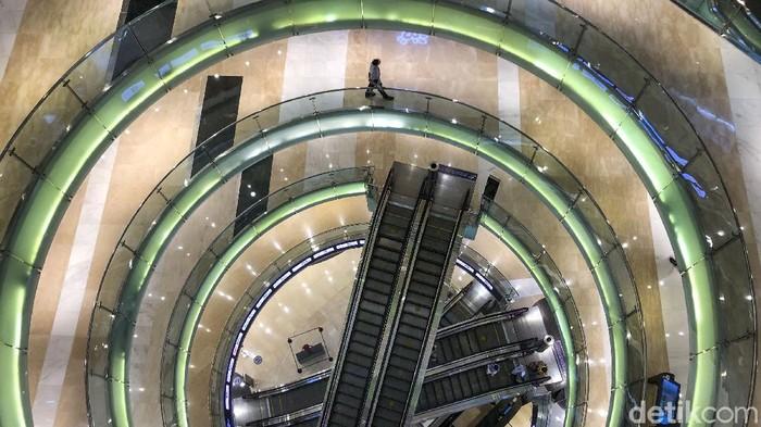 Pemerintah Kembali memperketat jam operasional pusat perbelanjaan dan restoran, nantinya mall bakal buka hingga jam 5 sore.