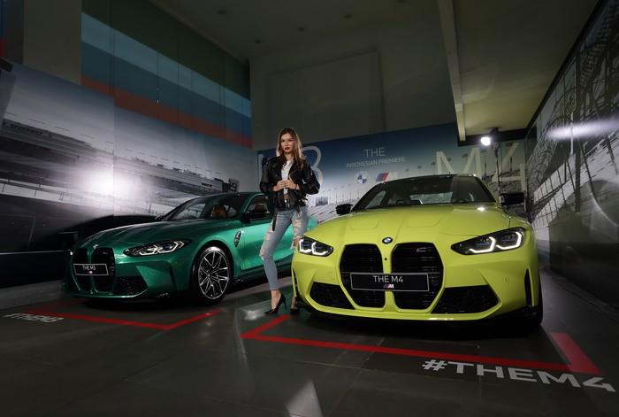 BMW M3 dan BMW M4 Coupe generasi terbaru hadir dengan sematan teknologi balap yang bisa dipakai untuk kegiatan sehari-hari. Seperti apa tampilannya? Intip yuks.