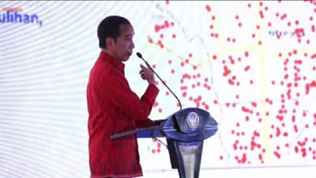 Jokowi Saat Tampikan Peta Corona di Jakbar