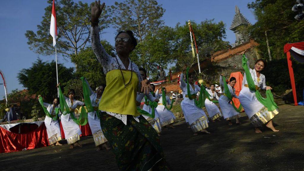 Kala Umat Hindu di Gresik Gelar Upacara Nata Jagad Saat Pandemi