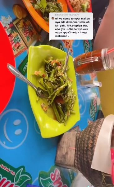 Terulang Lagi! Wanita Ini Harus Bayar Biaya Tambahan saat Makan di Warung Lesehan