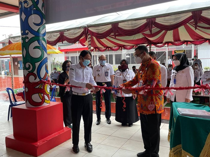 Kepala Badan Pembinaan Ideologi Pancasia (BPIP) Yudian Wahyudi meresmikan Perpustakaan Pancasila di Lembaga Pemasyarakatan (Lapas) Kelas IIA Samarinda, Kalimantan Timur. Perpustakaan di Lapas ini disebut merupakan perpustakaan pertama yang ada di Indonesia yang bertujuan untuk mebudayakan literasi ke warga binaan di Lapas.