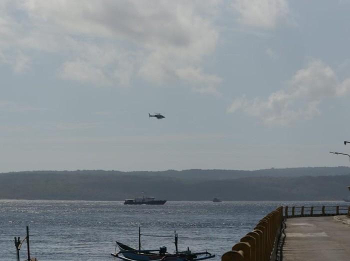 Baharkam Polri Turunkan 2 Pesawat dan 8 Kapal, Cari 11 Penumpang KMP Yunicee Yang Hilang