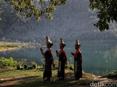 Legenda Danau Toba, dari Ikan Mas Sampai Amarah