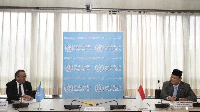 Menhan Prabowo Subianto bertemu dengan Dirjen WHO Tedros. A. Ghebreyesus di Kantor Pusat WHO Jenewa, Swiss.