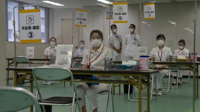 Jepang bersiap memberikan bantuan 2 juta dosis vaksin kepada Indonesia. Diperkirakan vaksin tersebut akan tiba di bulan Juli.