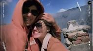Mesra Banget! Via Vallen Dipeluk Chevra Yolandi saat Kedinginan di Bromo