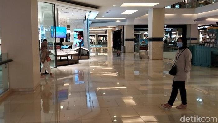 Besok seluruh pusat perbelanjaan atau mal di Jawa dan Bali harus tutup selama diberlakukannya PPKM Darurat 3-20 Juli 2021. Bagaimana kondisi mal 1 hari jelang diberlakukannya PPKM Darurat?