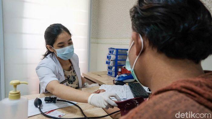 Permintaan plasma konvalesen meningkat seiring dengan melonjaknya kasus COVID-19 di Indonesia. Meningkatnya permintaan plasma ini terjadi di PMI Tangsel.