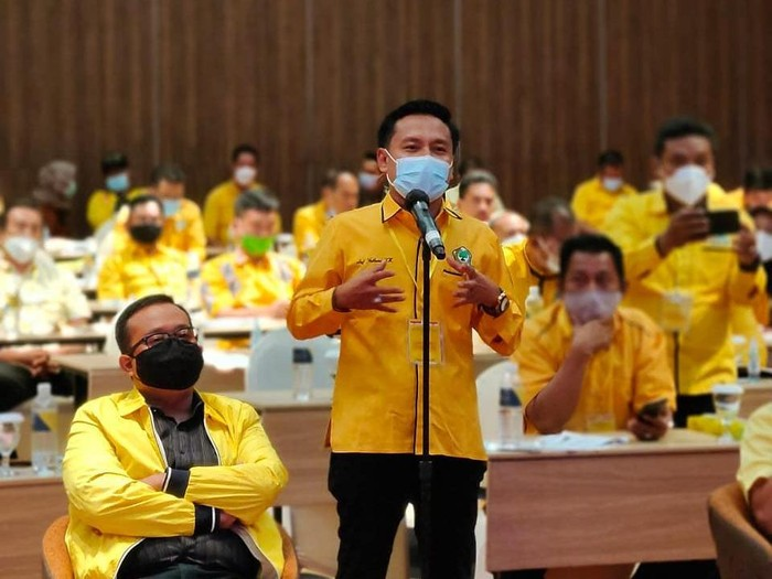 DPD Partai Golkar Surabaya serius menyikapi PPKM Darurat yang akan digelar mulai Sabtu (3/7). Partai ini akan menghentikan semua kegiatan kepartaian untuk sementara.