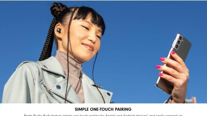 Apple tampilkan Samsung Galaxy S21 di iklan Beats Studio Buds