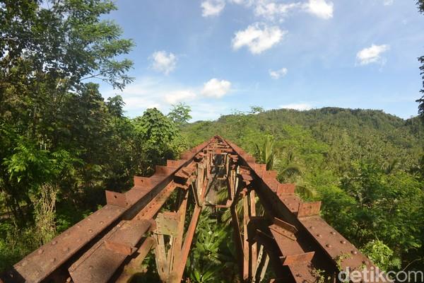 Pesonanya memudar karena besi bantalan rel di dua jembatan kereta api eks jalur Banjar-Cijulang, yakni jembatan Cikacepit dan jembatan Cipambokongan Kecamatan Kalipucang Kabupaten Pangandaran hilang.