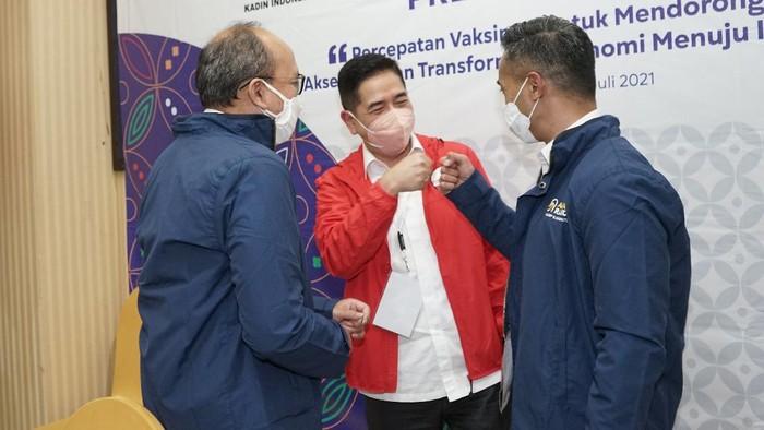 Arsjad Rasjid resmi ditetapkan menjadi Ketua Umum Kamar Dagang dan Industri (KADIN) Indonesia Periode 2021-2026 melalui Musyawarah Nasional (Munas) ke-VIII, di Hotel Claro, Kendari, Sulawesi Tenggara, Kamis (1/7/2021)