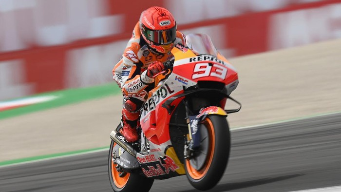 ASSEN, NETHERLANDS - JUNE 26: Marc Marquez of Spain and Repsol Honda Team heads down a straight during the MotoGP of Netherlands - Qualifying at TT Circuit Assen on June 26, 2021 in Assen, Netherlands. (Photo by Mirco Lazzari gp/Getty Images)