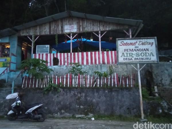 Pemandian air soda berada di Desa Parbubu, Tarutung, Sumatera Utara (Bonauli/detikcom)