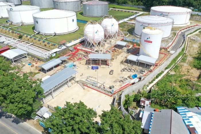 Terminal LPG di Wayame, Ambon, Provinsi Maluku dengan kapasitas total 2.000 Metrik Ton (MT) ditargetkan selesai Juli 2021.
