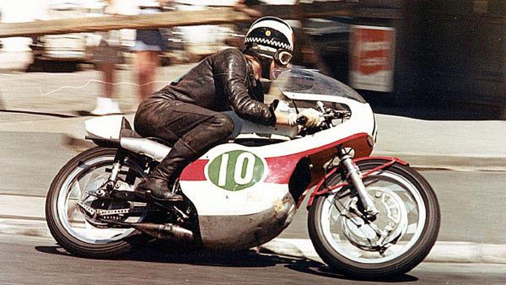 Kiprah 60 Tahun Yamaha di Ajang Balap: 10 Hari Punya Motor Langsung Gaspol!