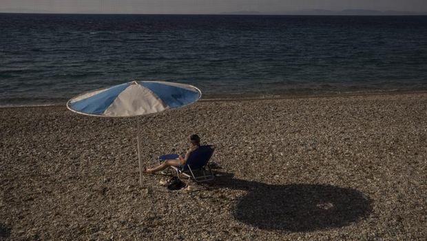 Sekitar sebulan, Yunani telah resmi membuka pintunya untuk pengunjung internasional. Namun ketidakpastian perjalanan masih berdampak pada pariwisatanya.