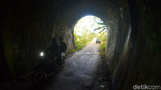 Eks Jembatan Kereta Api Cikacepit Pangandaran