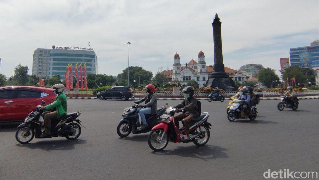 Jalanan Utama di Semarang Masih Ramai di Tengah PPKM Darurat