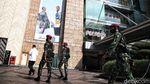 Marinir TNI AL Jaga Ketat Pusat Perbelanjaan Jakarta