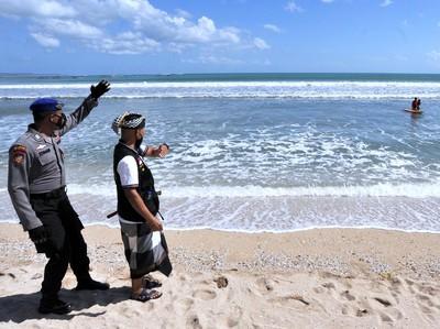 Pantai Kuta Bali Dibuka, Wajib Tunjukkan Bukti Vaksin Dosis Kedua