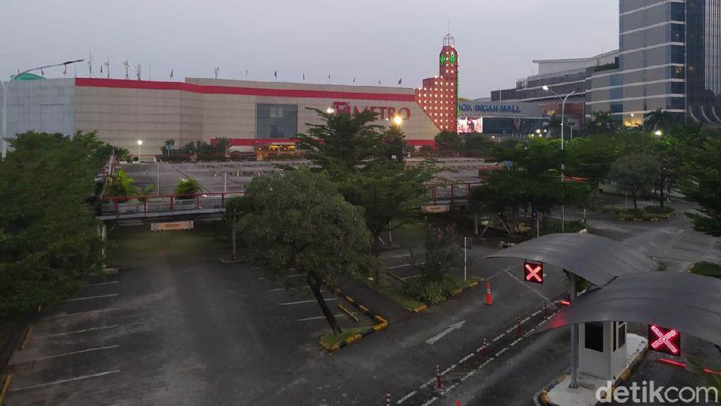 PPKM Darurat: Pondok Indah Mall Tutup, Ojol-ojol Sibuk Layani Take Away