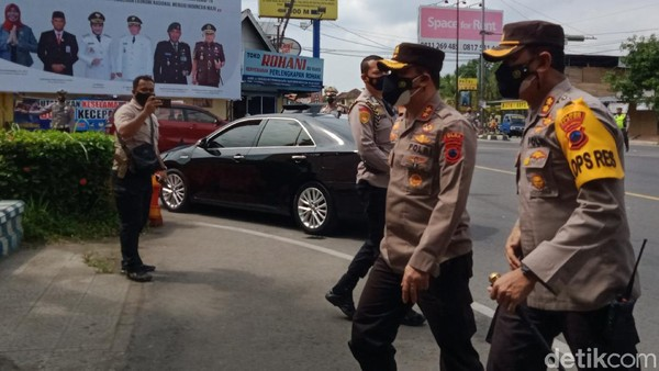 Penyekatan diinspeksi Kapolda Jateng, Irjen Pol Ahmad Luthfi.