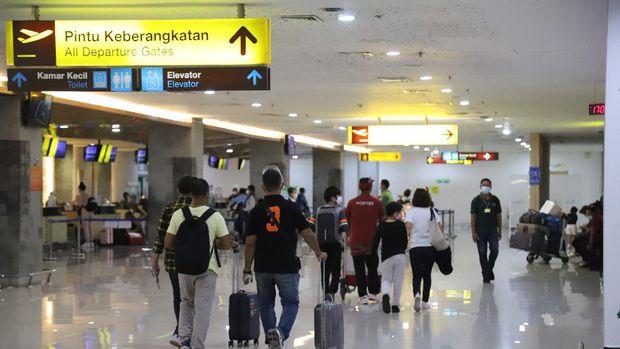 Suasana Bandara Ngurah Rai-Bali di hari pertama PPKM Darurat