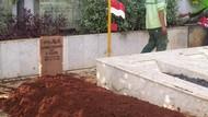 Anjasmara Sebut RachmawatiMinta Dimakamkan di Samping Fatmawati