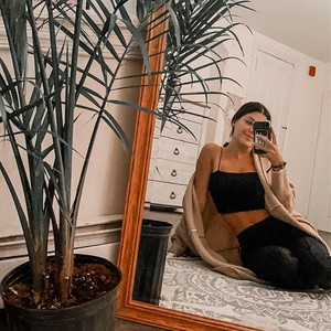 Potret Wanita yang Viral karena Curhatnya Punya 2 Vagina