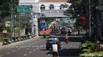 Suasana Jalan Asia Afrika Saat Bandung Terapkan PPKM Darurat