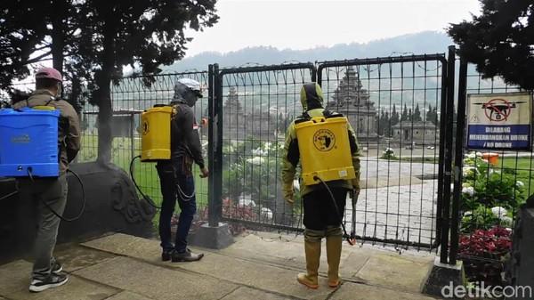 Penutupan ini dimanfaatkan oleh Dinas Kebudayaan dan Pariwisata Banjarnegara untuk melakukan perawatan.