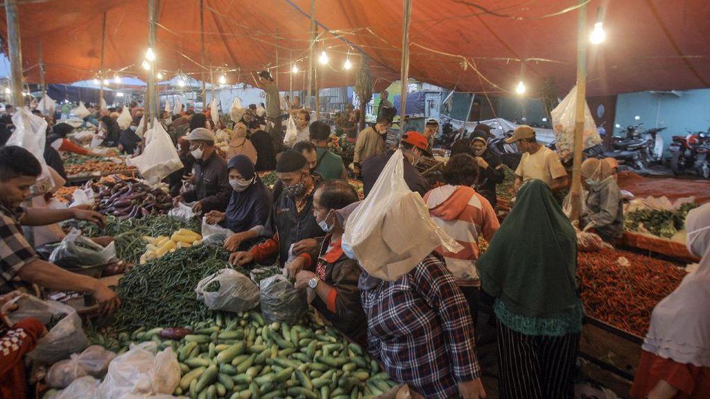 Waduh, Pasar di Cibinong Ramai Meski Tengah PPKM Darurat