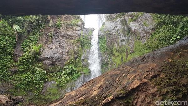 Sayang, kendati memiliki segudang potensi wisata yang dapat menarik minat pengunjung, keberadaan air terjun Sollokan ini nampaknya belum mendapat perhatian pemerintah setempat. Semoga ke depan akan lebih baik lagi.