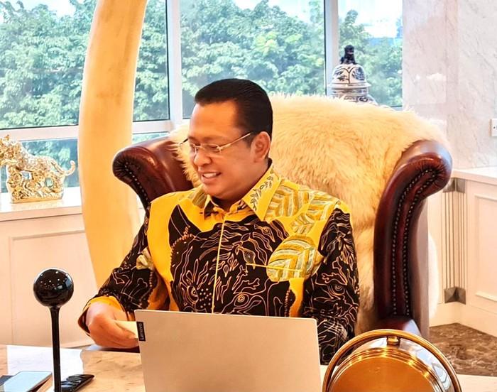 MPR RI bersama pakar akademisi dari berbagai disiplin ilmu, termasuk lembaga dan kementerian negara, sedang menyelesaikan draf atau rancangan Pokok-Pokok Haluan Negara (PPHN) berikut naskah akademiknya. Menurut Ketua MPR Bambang Soesatyo, rancangan PPHN itu ditargetkan selesai pada akhir tahun 2021.