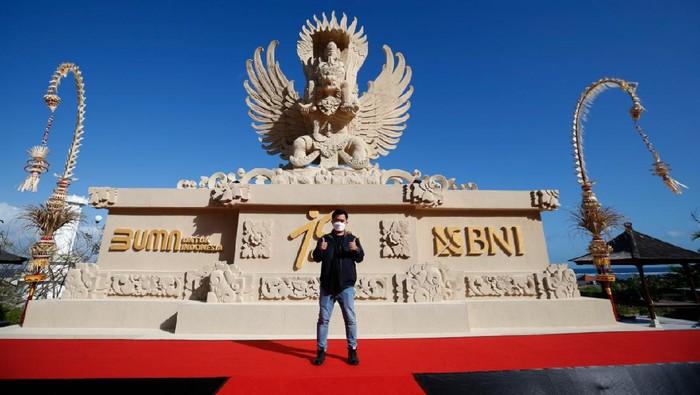 Patung replika Garuda Wisnu - BNI