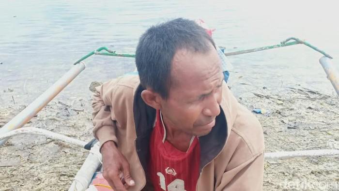 Samidin (45) nekat mendayung perahu dari Pinrang, Sulsel menuju Buton Tengah, Sultra karena tidak punya ongkos (Hasrul/detikcom).