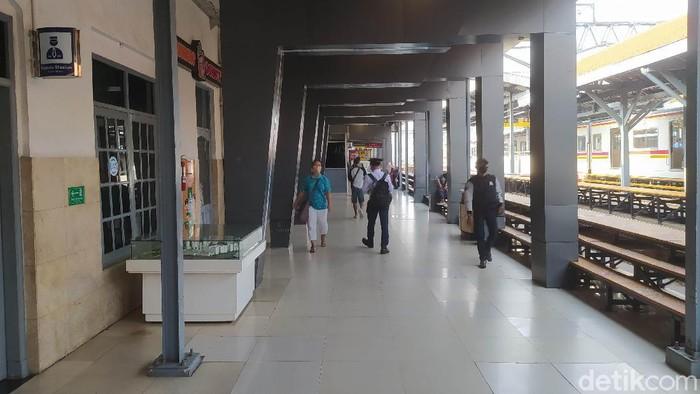 Suasana Stasiun Manggarai 5 Juli 2021